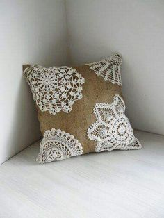 Burlap and Lace - Shabby Chic Pillow. Urban Analog via Etsy. Easy to make with cheap pillow and thrift store doilies for bedding or table runner etc, love it Burlap Projects, Burlap Crafts, Fabric Crafts, Sewing Crafts, Sewing Projects, Diy Crafts, Sewing Ideas, Doilies Crafts, Lace Doilies