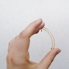 Minimalist Gold Ear Cuff. Hammered Lines. No Piercing. Unique Ear Cuff.
