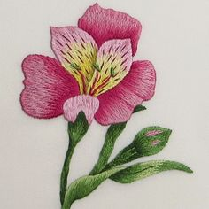 Crewel Embroidery, Floral Embroidery, Embroidery Patterns, Thread Painting, Fabric Painting, Hand Embroidery Tutorial, Flower Embroidery Designs, Back Stitch, Embroidery Techniques
