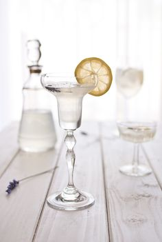 Lemon Lavender Cocktail:  60ml gin  40ml lemon juice  40ml lavender syrup, (recipe follows)  splash of club soda  some ice  one lemon slice, for garnish