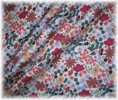 strakatá světlá kytička-poslední 1 m Quilts, Blanket, Quilt Sets, Blankets, Log Cabin Quilts, Cover, Comforters, Quilting, Quilt