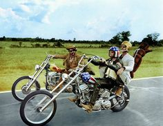 "Dennis Hopper, Peter Fonda, Jack Nicholson on chopper. ""Easy Rider"" directed by Dennis Hopper. Motos Vintage, Vintage Motorcycles, Harley Davidson Motorcycles, Custom Motorcycles, Custom Bikes, Harley Panhead, American Motorcycles, Vintage Auto, Easy Rider"