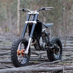On BikeBound.com:  KTM HiRider by @engineeredtoslide. : @dean_walters #ktm #ktm250 #250sxf #tracker