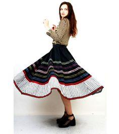 Vintage Trachten Skirt / Austrian Skirt / Dirndl Skirt / Folk