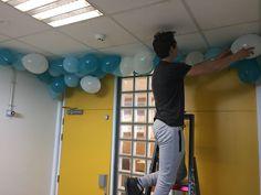 hier werkt clemens aan de ballonnen