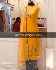 Designer Punjabi Suits Patiala, Punjabi Suits Designer Boutique, Boutique Suits, Designer Party Wear Dresses, Kurti Designs Party Wear, Salwar Designs, Embroidery Suits Punjabi, Embroidery Suits Design, Dress Design Sketches