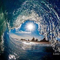 ハワイの波はまるで宝石を散りばめたかのよう【画像】 もっと見る