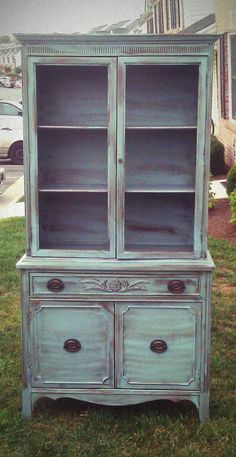 Vintage Hutch Makeover!  This is so easy to do!