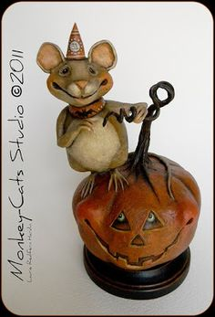 Halloween Decoration: Mortimer Mouse on the Pumpkin made of paper mache by Laurie Hardin Halloween Doll, Holidays Halloween, Halloween Treats, Vintage Halloween, Happy Halloween, Halloween Decorations, Halloween Stuff, Halloween Centerpieces, Halloween Gourds