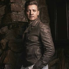 #jeremyrenner damn, this man ages like a fine wine @Regranned from @renner4real - Feelin fall weather... I hear LA is melting #johnrussophoto #fallfashion #winterprep #mountianlife # - #regrann