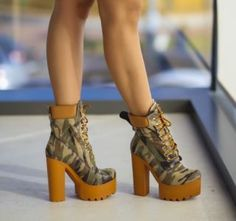 Botine army cu talpa si toc gros Booty, Outfits, Shoes, Fashion, Moda, Swag, Suits, Zapatos, Shoes Outlet