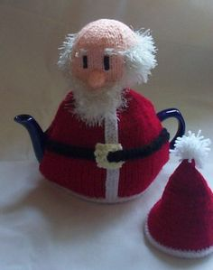 Free Knitting pattern to knit a Santa Claus Tea Cosy. The Santa Tea Cosy makes a Great Christmas stocking filler for friends and Family Tea Cosy Knitting Pattern, Tea Cosy Pattern, Free Knitting, Knitting Patterns, Knitting Toys, Free Pattern, Crochet Christmas Ornaments, Christmas Tea, Christmas Knitting