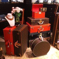 Louis Vuitton Handbags Online Store Wholesale Price For 2015 Womens Fashion Style. Louis Vuitton Trunk, Vintage Louis Vuitton, Louis Vuitton Luggage, Louis Vuitton Handbags, Lv Luggage, Travel Luggage, Luxury Luggage, Luxury Bags, Designer Luggage