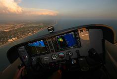 Cockpit of the Cessna 172s Skylane, around Florida.