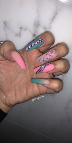 Discover cute and easy nail art designs for all occasions. Find inspiration for Easter, Halloween and Christmas and create your next nail art design. Bling Acrylic Nails, Aycrlic Nails, Summer Acrylic Nails, Bling Nails, Hair And Nails, Nail Nail, Nail Tech, Gorgeous Nails, Pretty Nails