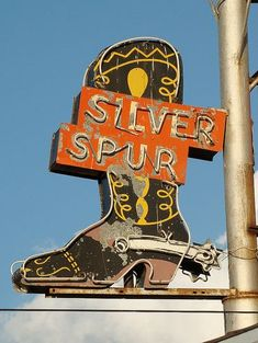 Silver Spur Motel sing in Amarillo, Texas, USA Old Neon Signs, Vintage Neon Signs, Old Signs, Western Photo, Western Art, Western Signs, Western Style, Picture Wall, Photo Wall Collage