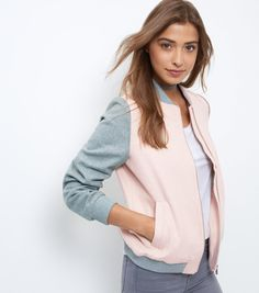 Bomber jacket reduced to £29.99 at New Look. I have this and it's the perfect in between jacket. More easy wardrobe updates here: https://aftercarrie.wordpress.com/2016/10/07/shake-up-your-capsule-wardrobe/