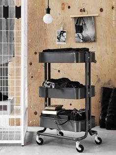 RÅSKOG roltafel | Deze pin repinnen we om jullie te inspireren! #IKEArepint #IKEA #vosgesparis #werkplek #opberger #bijzettafel