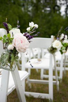 beautifully simple aisle decorations. wallowa wedding.