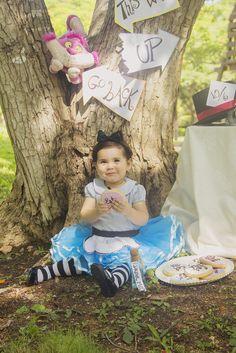 Alice in Wonderland baby girl fairy tale photoshoot !!!! by: Fotobook Fotografia