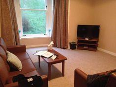 Dove dormire in Scozia: Mini guida ricerca alloggio - 50sfumaturediviaggio Glamping, Cottage, Curtains, Mini, Table, House, Furniture, Home Decor, Blinds