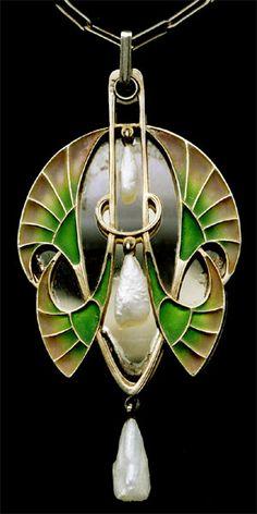 LEVINGER & BISSINGER Attrib.  Jugendstil Vanity Pendant   Gilded silver, with plique-a-jour enamel & pearls  The pendant swivels to reveal a mirror  Length: 8.2 cm   Width: 3.9 cm  (3.2 x 1.5 in)   Marked: 'Depose' & 'Sterling'  German. Circa 1900