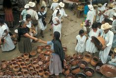 MEXICO Puebla State: Sunday market in small town, Cuetzalan. [© Jacques Jangoux]