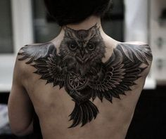 Today we're going to step again into the world of animal tattoos bringing you 50 of the most beautiful owl tattoo designs, explaining their meaning. Owl Tattoo Back, Black Owl Tattoo, Cute Owl Tattoo, Tattoo Son, Tattoo Bird, Baby Owl Tattoos, Animal Tattoos, Girl Tattoos, Back Tattoo Women Upper