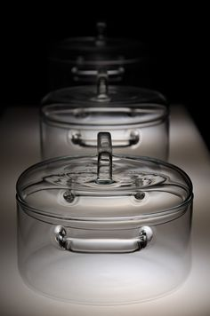 huy pham has created a set of transparent cooking pots made from technical glass Cool Kitchen Gadgets, Home Gadgets, Cooking Gadgets, Kitchen Items, Kitchen Utensils, Cool Kitchens, Kitchen Decor, Kitchen Appliances, Cooking Tools