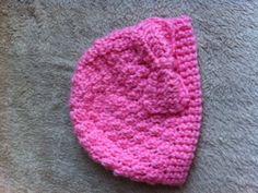 Crochet baby hat w/ bow