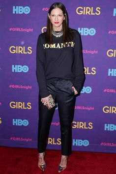 Jenna Lyons rocks a cozy sweatshirt and sleek pants and heels on the red carpet. She can do no wrong.