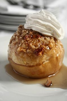 Pomme au four en crumble amandes noisettes by Le Petrin, via Flickr