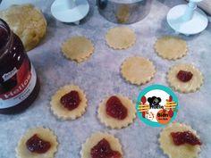 Receta de Galletas rellenas de mermelada de fresa   Cocinar en casa es facilisimo.com