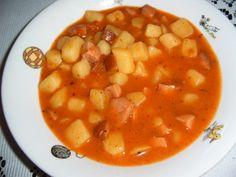 Bramborový guláš - buřtguláš Goulash, Chana Masala, Ethnic Recipes, Kitchen, Food, Red Peppers, Cooking, Eten, Kitchens