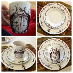 My Hobbit inspired dishes! DIY sharpie and dollar store plates. Each piece and… Sharpie Plates, Sharpie Paint Pens, Diy Sharpie Mug, Sharpies, Hobbit Gifts, O Hobbit, Hobbit Art, Hobbit Door, Tolkien