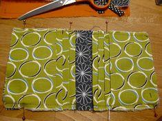 Tuto pochette porte-cartes - * * * Le Blog de ValèrIdées * * * Glasses Case, Blog, Inspiration, Tela, Scrappy Quilts, Sewing Tutorials, Coin Purses, Patterns, Handbag Tutorial