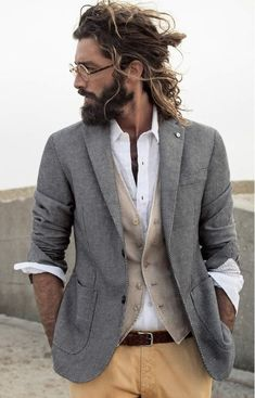 4. #half up-half #down - 21 Reasons to Date a Guy with a Man Bun ... → #Love #Twist