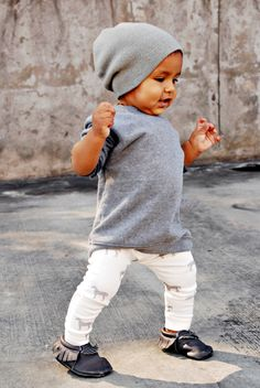 Our horse leggings are the perfect edition to your little ones Fall wardrobe. unisexPart of our AW13 collection.Our leggings are made from 100% USA organic cotton jersey, and offer a high quality braided elastic waistband. All seams are professionally serged for durability.**All designs are designed by me, exclusively for House of Mia. (please note: these leggings are handmade, so the pattern placement may vary slightly from the leggings pictured)care instructions:...