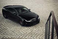 Incredible Audi - black on black on black.