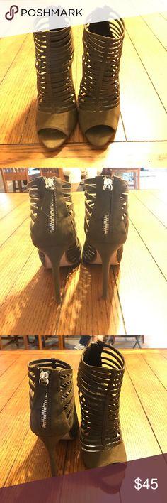 Zara heels Beautiful brown suede heels. Mint condition. Size 38 Zara Shoes Heels