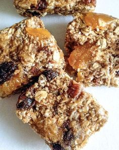 vegan apricot pecan granola bars need a high energy snack that won't weigh you down? AND is full of all natural, wholesome ingredients? these granola bars are darn near perfect. Oat Bars, Granola Bars, Banana Granola, Vegan Granola, Pecan Bars, Healthy Bars, Healthy Treats, Healthy Food, Healthy Desserts