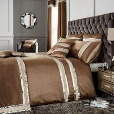 Willa Arlo Interiors This is a contemporary and stylish duvet cover set that gives you a soft smooth feel. Discount Bedding Sets, Bedding Sets Uk, King Size Bedding Sets, Luxury Bedding Sets, Comforter Sets, King Comforter, Bed Sheets Online, Cheap Bed Sheets, Bed Duvet Covers