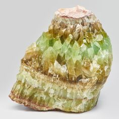 CHINESE : Rough green onyx crystal