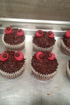 Einfache spooky Monster-Muffins für Kindergeburtstag, Halloween oder als Zuckerschock zwischendurch ;)