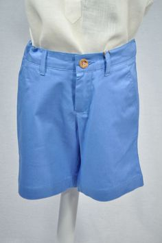 pantalón corto de JOSE VARON, color azul ,cintura adapatable.