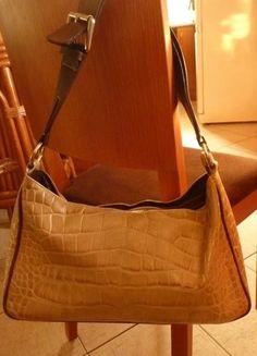 Kupuj mé předměty na #vinted http://www.vinted.cz/damske-tasky-a-batohy/kabelky-do-ruky/16814280-luxusni-kozena-kabelka-top-stav