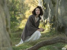 Claire just before the stones... Diana Gabaldon Outlander Series, Outlander Season 1, Outlander Book Series, Outlander 3, Outlander Spoilers, Outlander Clothing, Outlander Costumes, Claire Fraser, Jamie Fraser