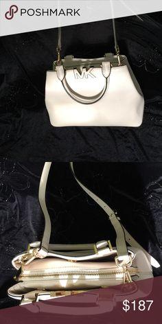 Michael Kors Good Condition Michael Kors Bags Crossbody Bags