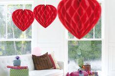 Bruiloft-decoratie.nl - Geen Decoratie hart rood 30 cm. Rood decoratie hart om op te hangen. Feestelijk hart van crepe papier in de kleur rood. Formaat: