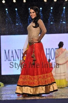 Manish Malhotra and Neha Dhupia I like the designing on the forehand!